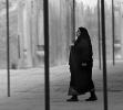 I moskeens forgaard. Iran